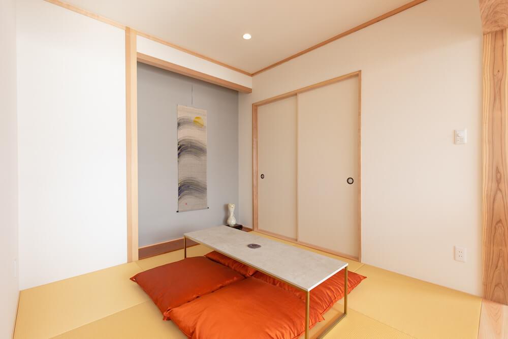 糸島の海が見える家の癒しの和室