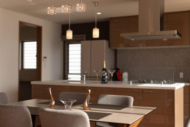 糸島の海が見える家のアイランドキッチン