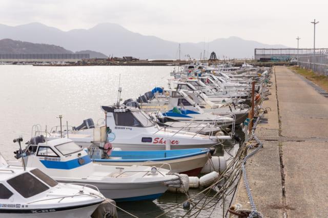糸島市の海が見える別荘地付近にあるマリーナ